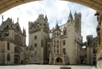Pierrefonds cour